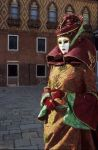 venise Venice-Carnival-Best-Of aa_Red_costume_red_house.thumb.jpg